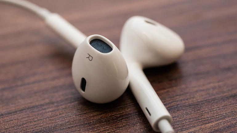 Apple_EarPods_close_up