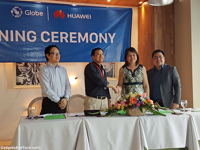 Huawei and Globe Telecom Signing Ceremony on e-waste disposal partnership