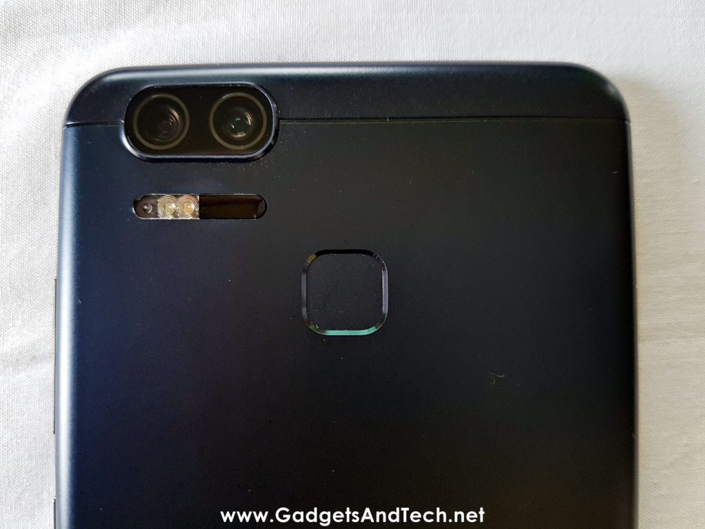 ASUS Zenfone 3 Zoom fingerprint sensor dual camera flash