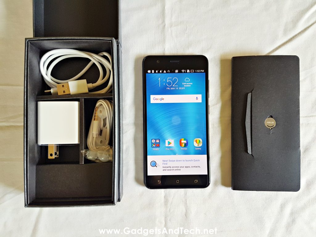 ASUS Zenfone 3 Zoom inside the box