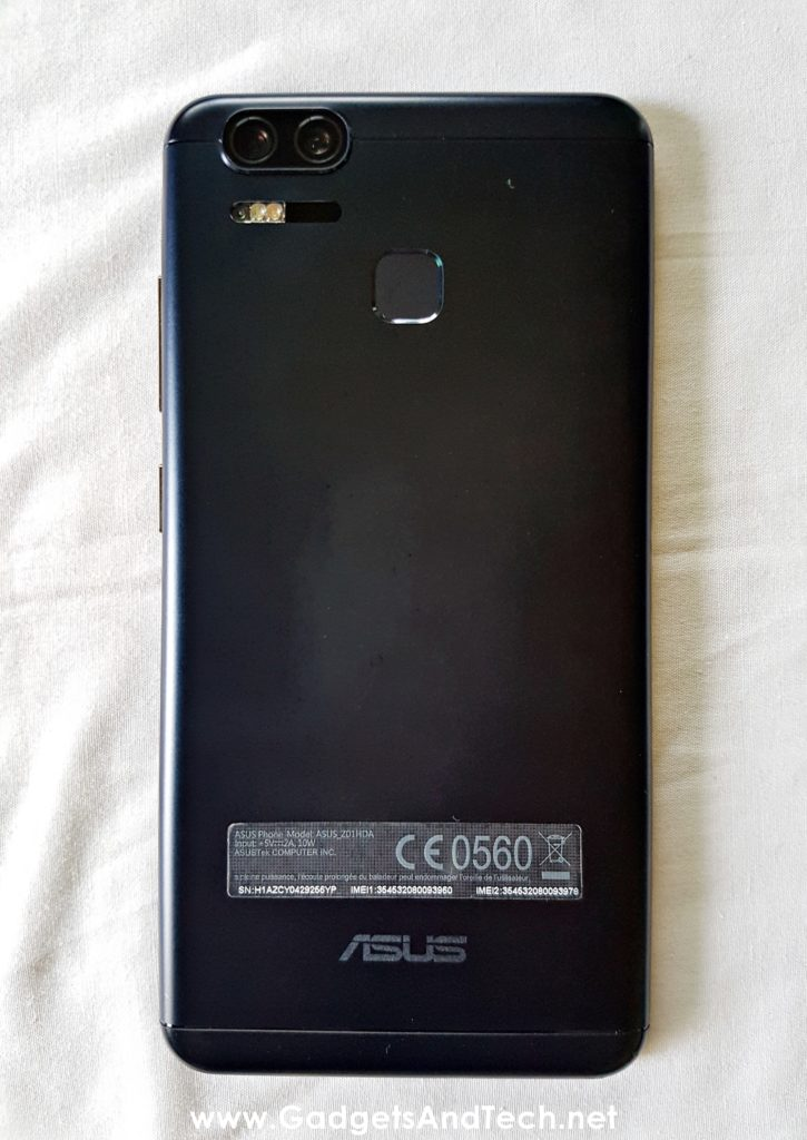 ASUS Zenfone 3 Zoom back view