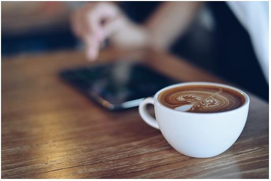 wireless charging coffee latte
