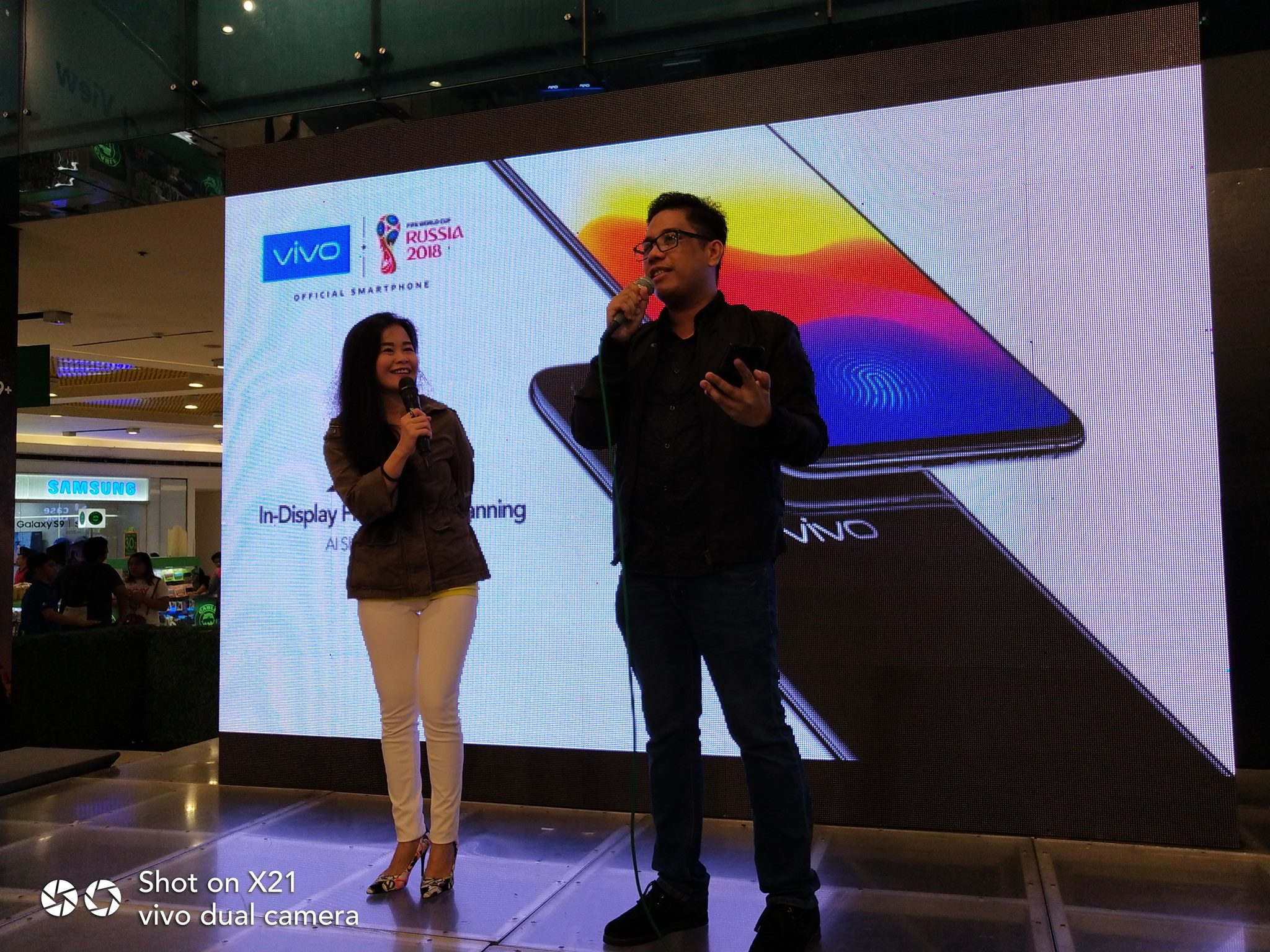 Alora Uy Guerrero of Revu and Mark Macanas of TechPinas